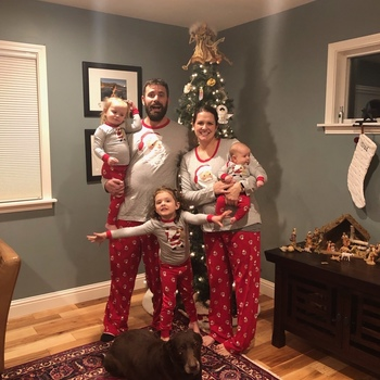 Harding family picture - Christmas 2018 e2cdc34ac