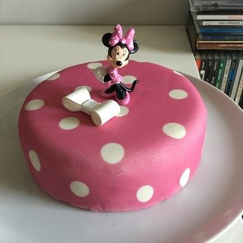 minnie maus torte online bestellen appetitlich foto blog. Black Bedroom Furniture Sets. Home Design Ideas