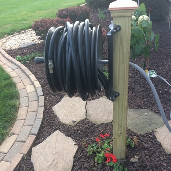 Superior Wood Post Mount Garden Hose Reels Really, Really Nice!