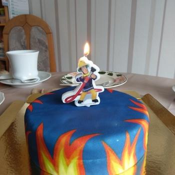 Feuerwehrmann Sam Auf Blauem Geburtstagskuchen Deinetorte De