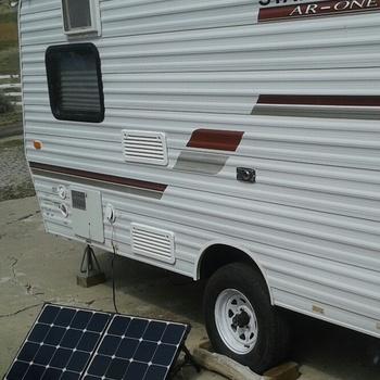 Renogy 100 Watt Eclipse Solar Suitcase w/o Controller (Open Box: Like New) More trailer power