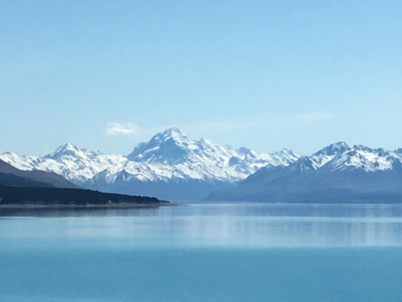 いい天気で、Tekapo湖、Pukaki湖、Mt Cook もきれいでした。