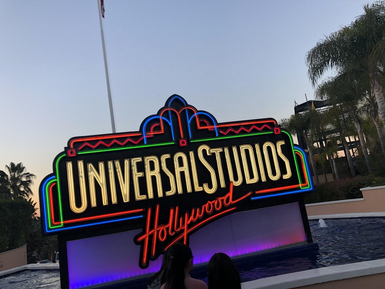 シンガポール二回、日本一回行ったことがあります。ハリウッドは、さらにスケールが全く違い楽しかったです。スタジオツアーは、絶対行くべきです!