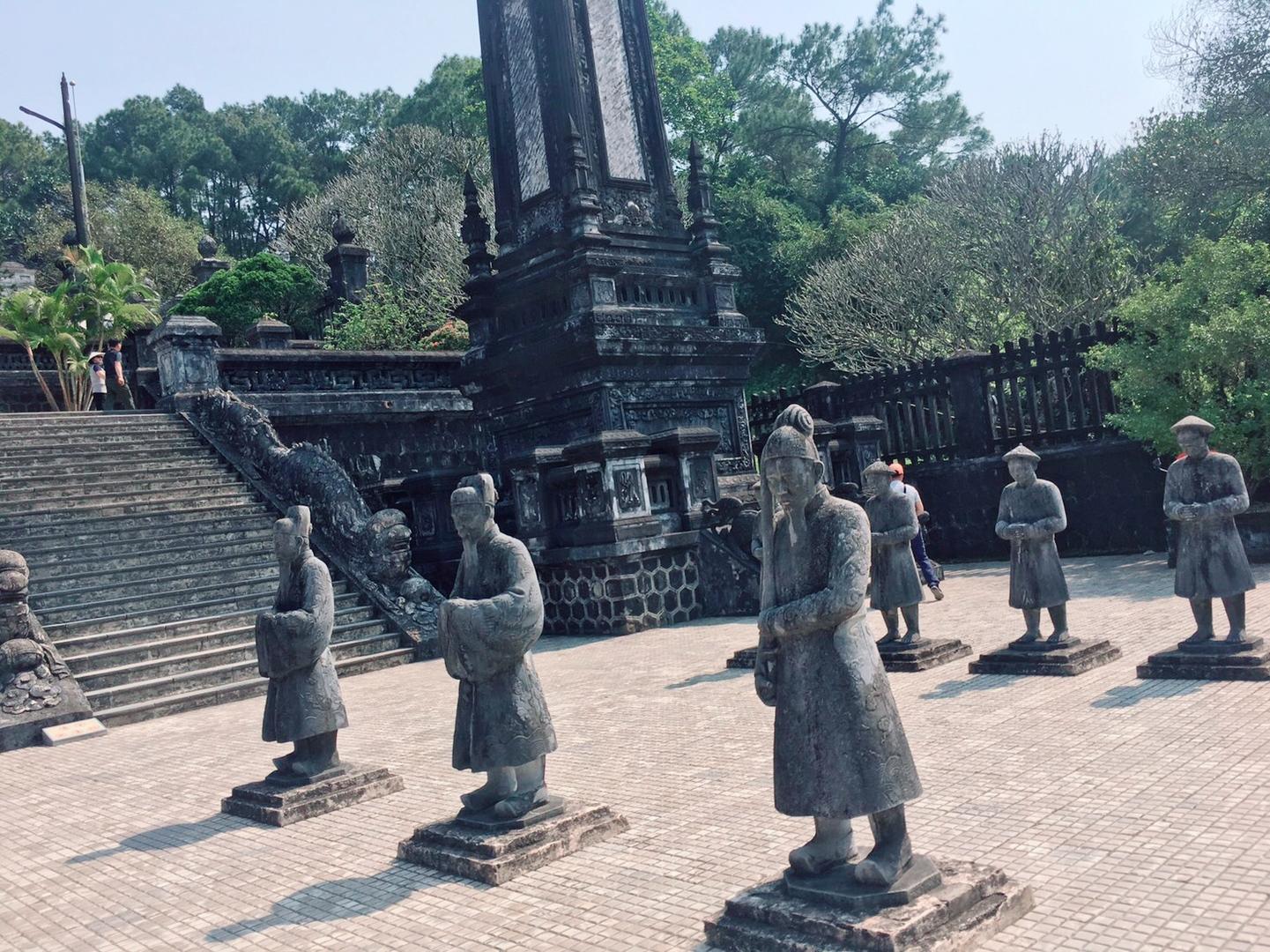 古い王宮跡の観光を楽しみにしていました。