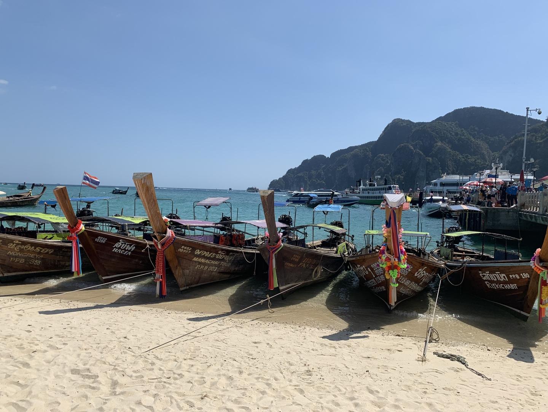 ガイドさんも日本語ぺらぺらで船も大型船で船酔いすることなく楽しめました。なにより海がきれいでシュノーケリングが楽しかったです。