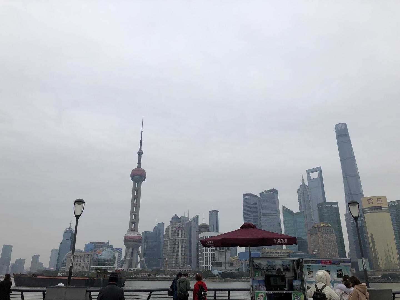 初めての上海旅行・・・ 言葉も上手く伝わらない中で ガイドさんが一緒のツアーは、とても心強い旅になりました!!  ガイドマップに載ってる場所に行くことができ あまり歩きたくない子供達にもバスや船乗って街中を見て回れる事が出来ました!!