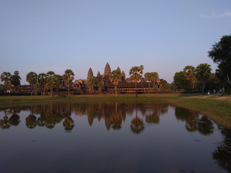 一日で最低限の見所をおさえたツアーで要領よく観光出来て良かったです。  カンボジアに行ったら一度は参加する事をお勧めするツアーです。