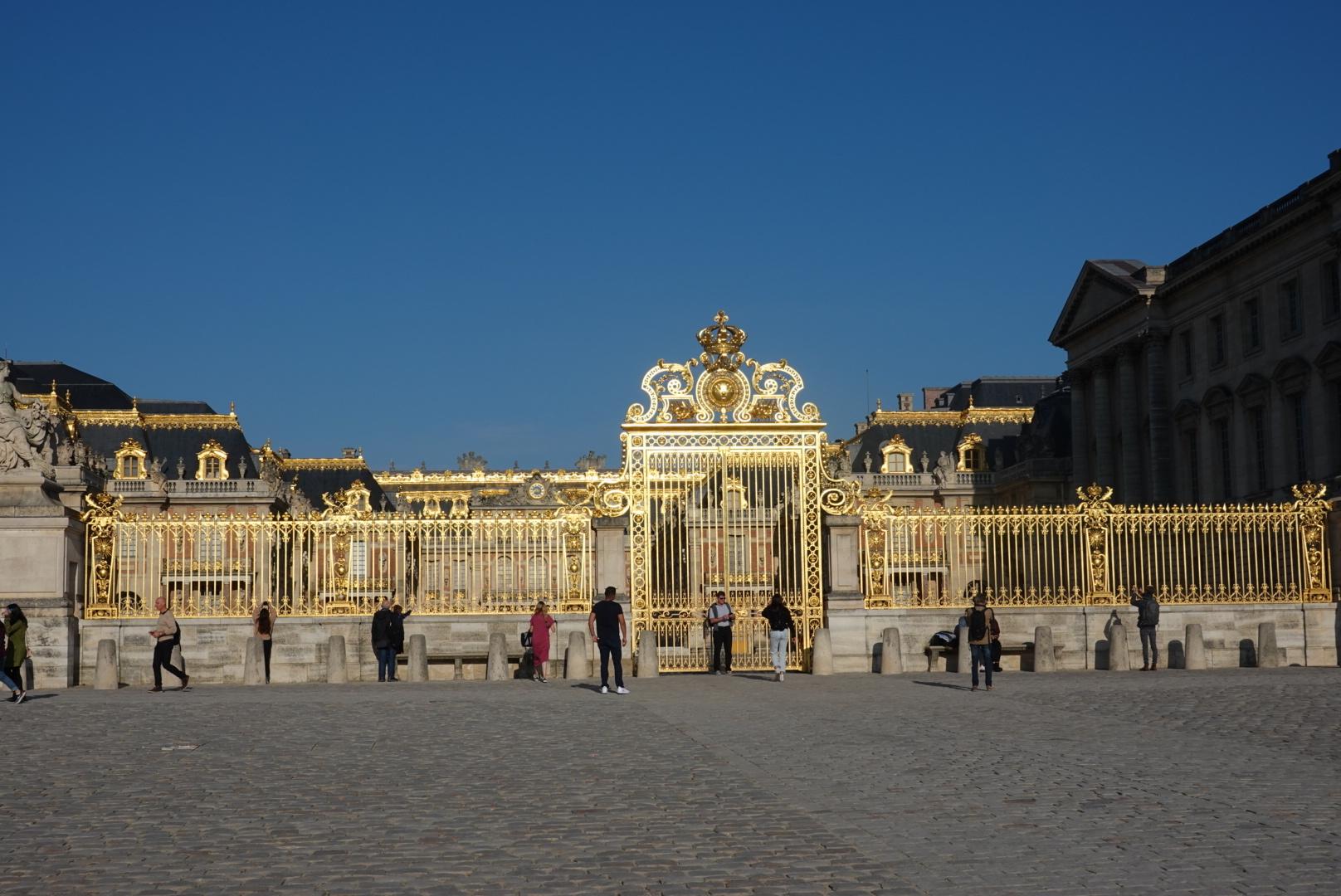 ベルサイユ宮殿の素晴らしさもいいですがこのツアーのガイドの女性が素晴らしかった それだけでもテンションが上がります