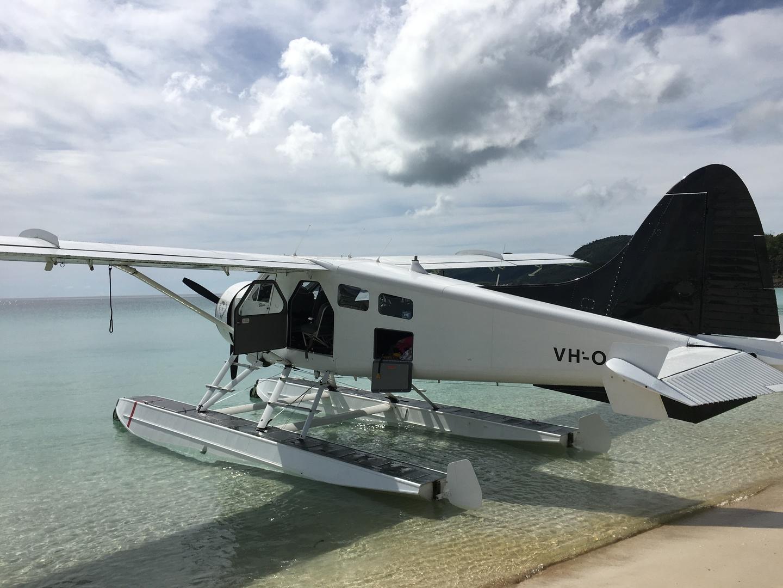 ハミルトン島ドリームツアーを5月末に参加しました! 寒いのかなと心配しましたが、天気は快晴で 素敵なオーシャンブルーとスカイブルーの中を 水上飛行機で巡りました。 グレートバリアリーフに着いた時は言葉にできないくらい感動しました! 世界一美しいと言われているホワイトヘブンビーチも空から見たほうが絶対オススメです! ビーチでのシャンパンやおつまみ、フルーツも付いており最高でした。カモメには気をつけて下さい、、同じく参加してたアメリカ人のお父さんは襲われてました笑笑 ハミルトン島からグレートバリアリーフとホワイトヘブンビーチに行きたい方は間違いなくこのツアーに参加すべきです!!!全てが最高でした!!