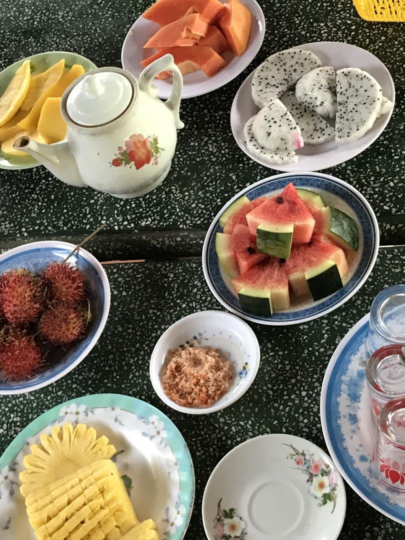 1人での参加でしたがベトナムのツアーコンダクターのユウイさんがとても愉快で親切でリラックス出来ました!ランチのレストランでの食事は豪華で、ホーチミン市内では頂けない地方料理も体験出来、大変有意義なツアーでした!