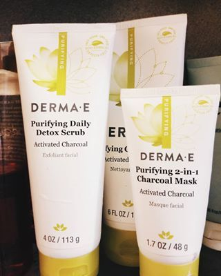 Purifying 2 in 1 Charcoal Facial Mask - 0.35 oz. by DERMA-E (pack of 6) EOS Smooth Lip Balm Sphere, Blackberry Nectar 0.25 oz (Pack of 4)