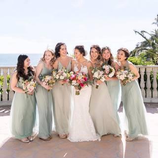 8c845a5e663 Loving Birdy bride  sparkledust1287 s maids in Sage 🌿👰🏻💕 • 📸