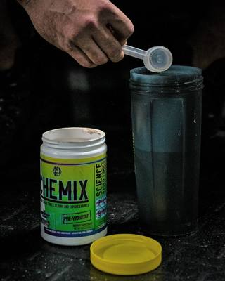 Start Every Workout With The KING 👑 ______________________ 🔥Formulated By The Guerrilla Chemist 🔥Incredible Energy 🔥Dialed In Focus 🔥Rated The Top Pre Workout Of 2019 ______________________ #Chemix #ChemixLifestyle #ChemixPreWorkout #TheGuerrillaChemist