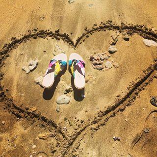 973513ed8309 Loving our women s island -- soft
