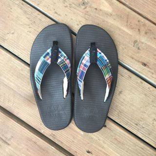 8c82e7578c6e For all the  plaid lovers out there. Find your island.  islandslipper